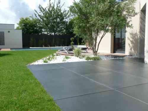 Revêtement terrasse  57 idées du0027inspiration pour les sols Backyard - plaque de beton pour sol exterieur