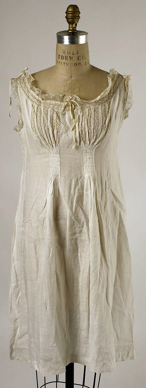 Chemise American Or European The Metropolitan Museum Of Art Fashion Victorian Fashion Fashion History