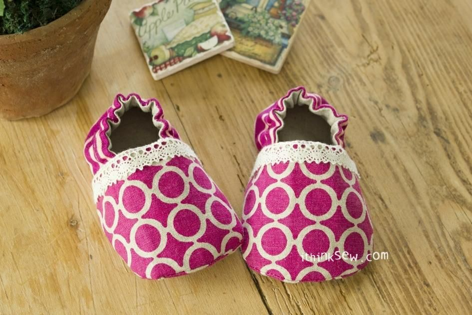 f591fba25ad2b 9) Name: 'Sewing : #84 Lilac Baby Booties PDF | baby stuff | Baby ...