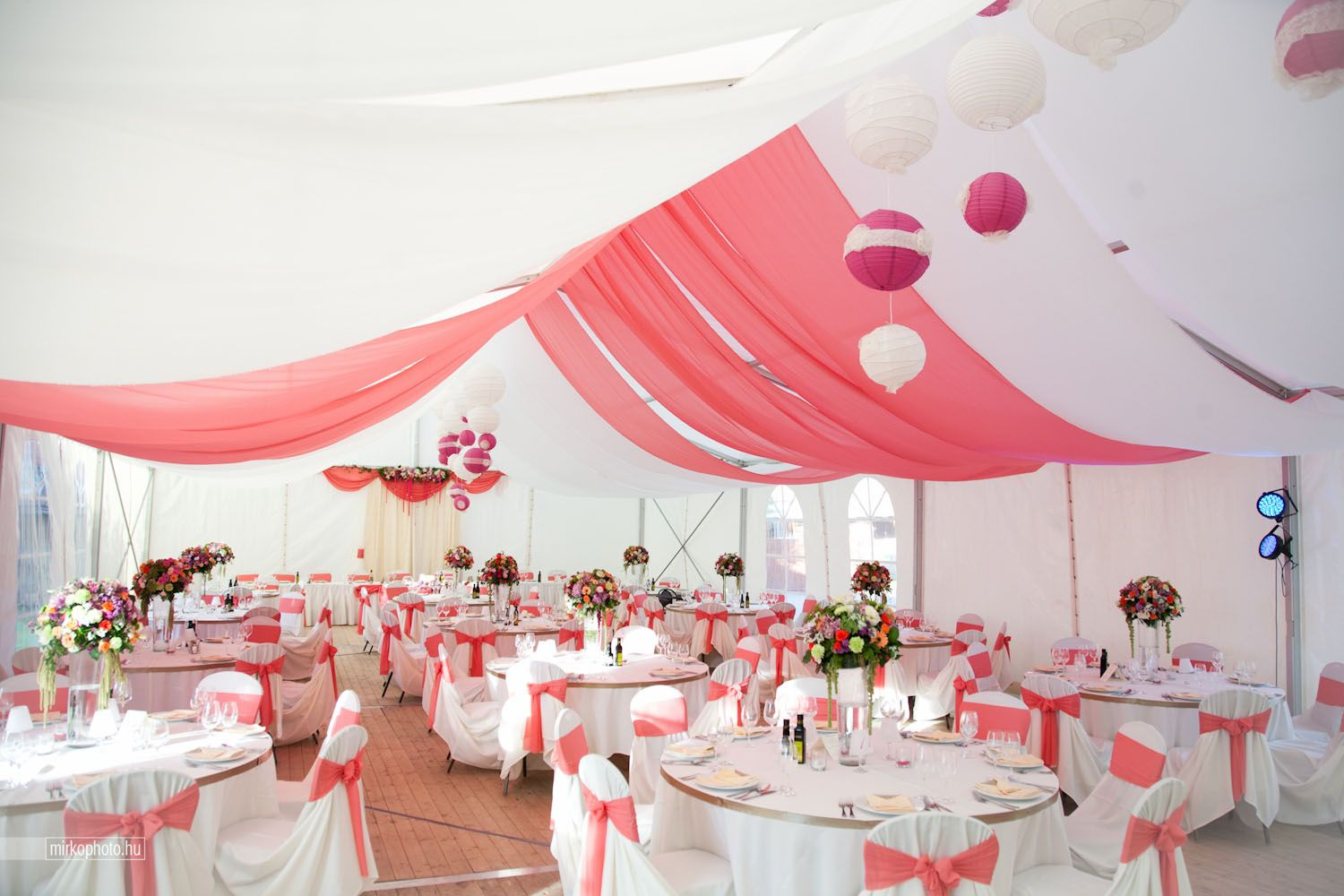 Wedding in a tent... newest colour desing coral-hotpink-strawberry ...