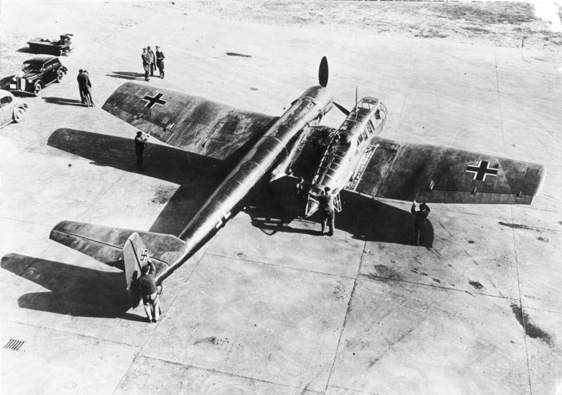 odd ww2 aircraft | Strange Vehicles: Blohm & Voss BV 141 | diseno-art.com