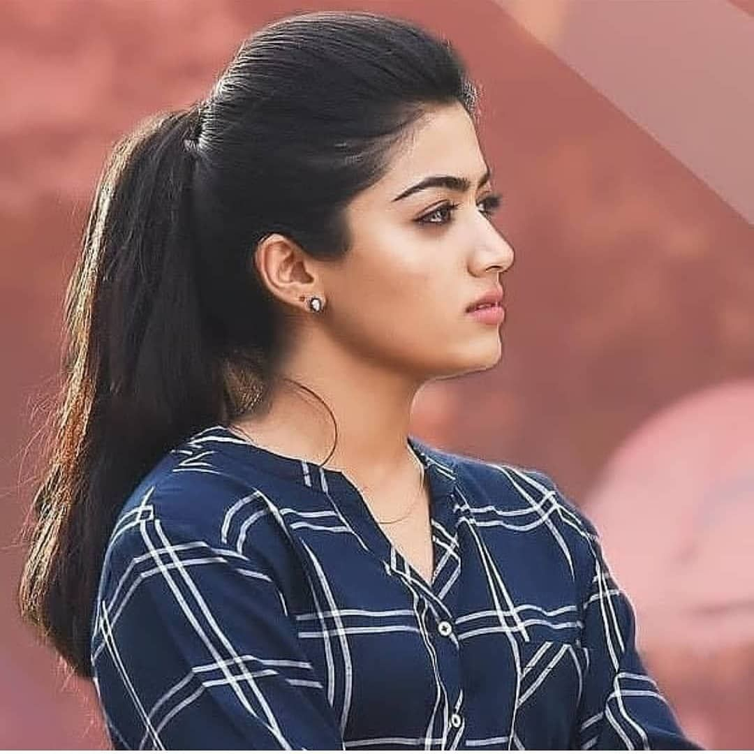picfrom #geethagovindam #vijay #vijaydevarakonda #rashmikafamily #rashmika  #rash… | Beautiful indian actress, Most beautiful indian actress, Beautiful  actresses