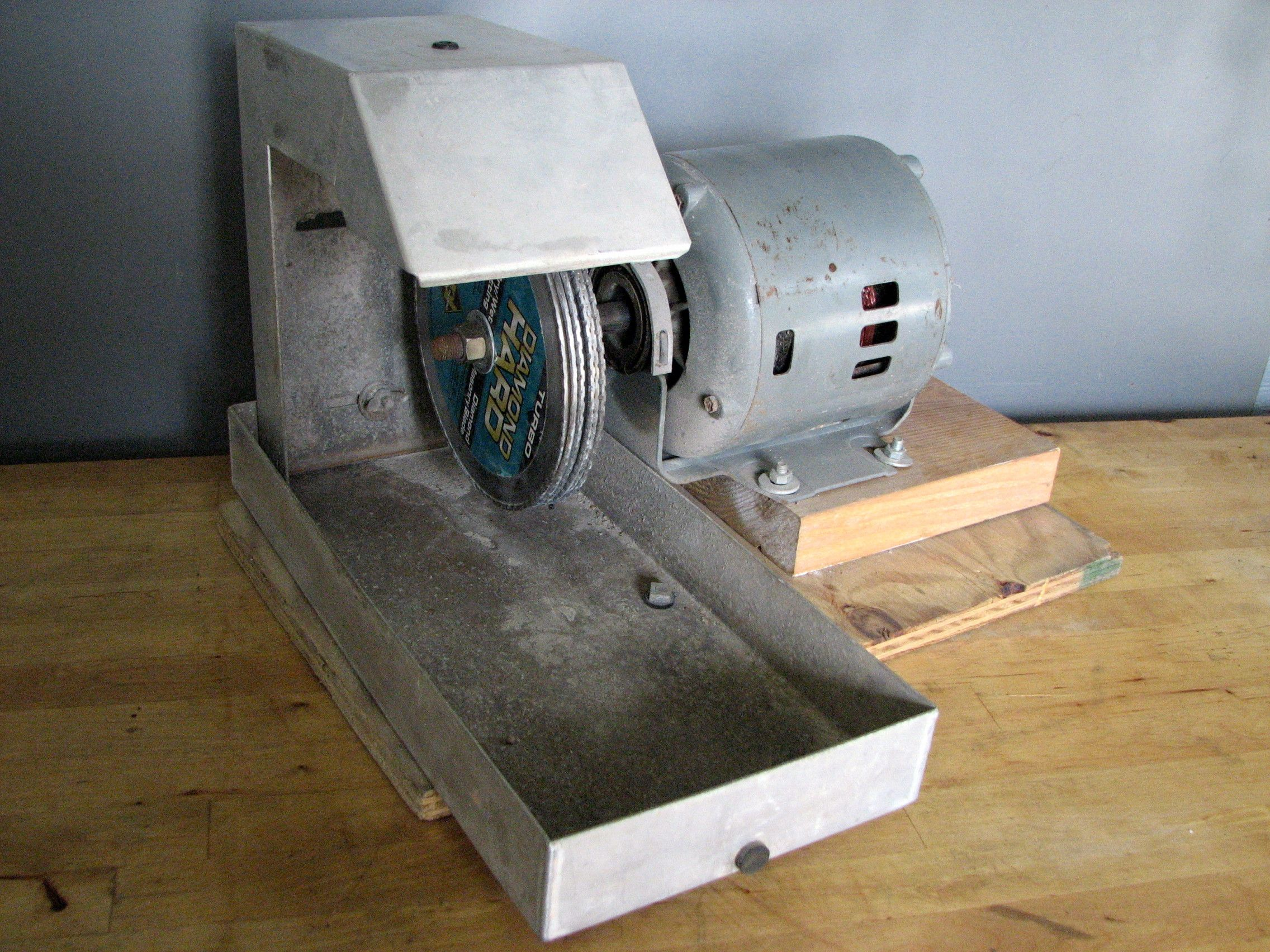 Lapidary Tips: DIY Inexpensive Lapidary Grinder #homemadetools