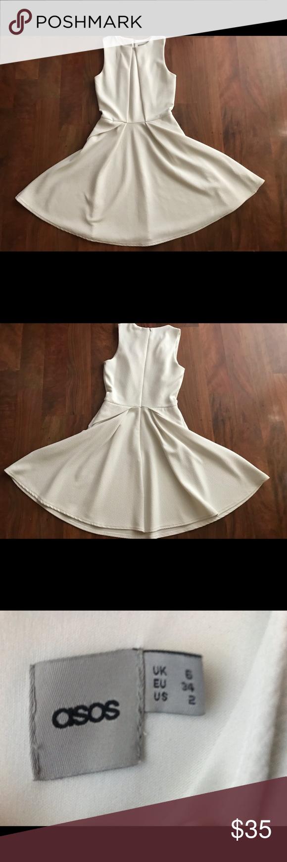 Photo of ASOS White Origami Dress Hübsches weißes Kleid aus strukturiertem Stoff. Origami faltet eine …
