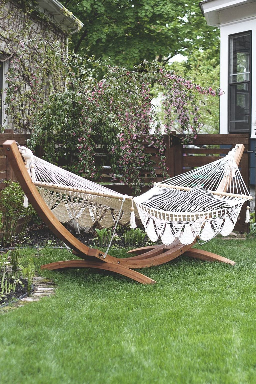 36 The Best Backyard Hammock Ideas For Relaxation Popy Home Backyard Hammock Diy Hammock Backyard