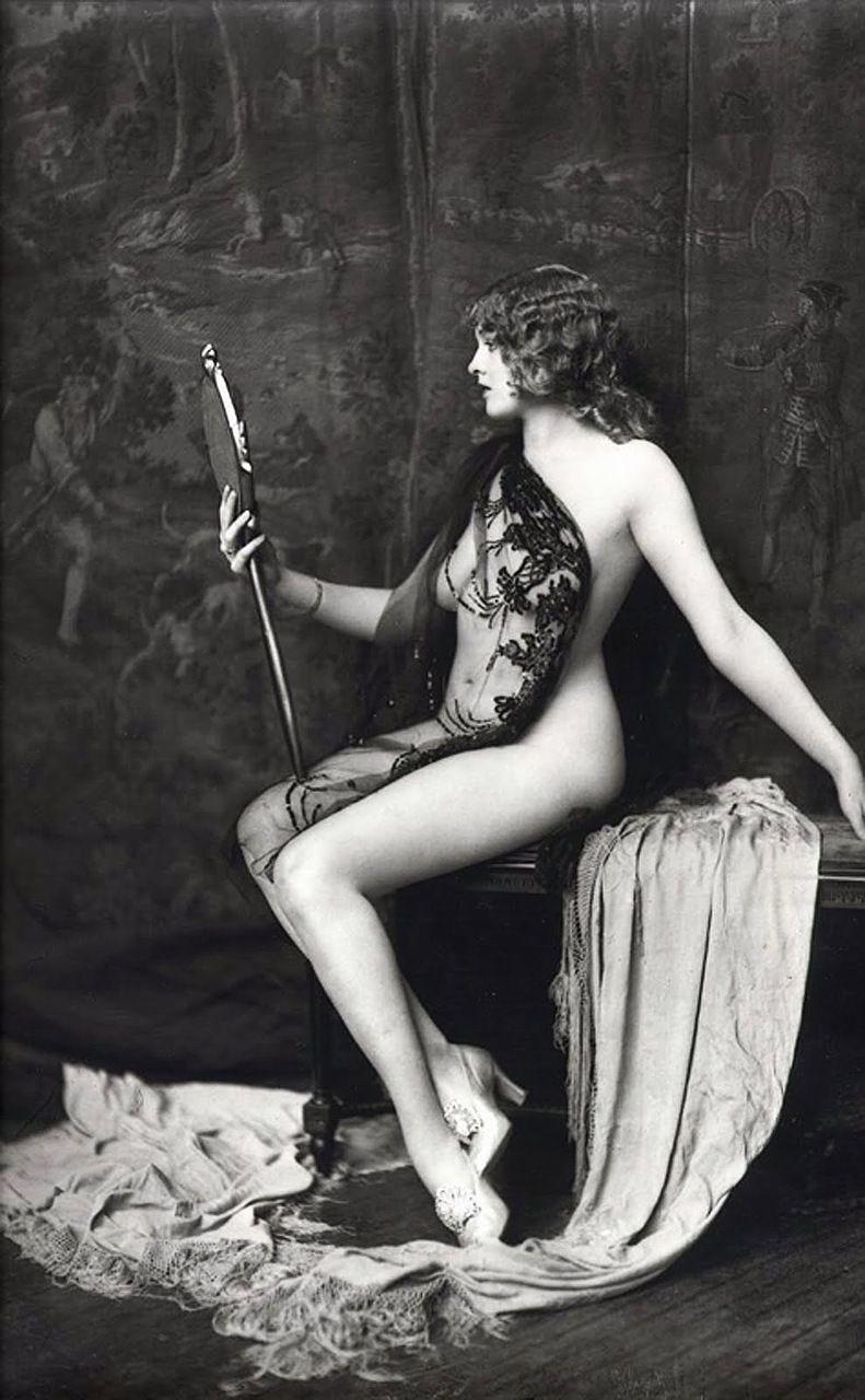 rachel-cheney-nude