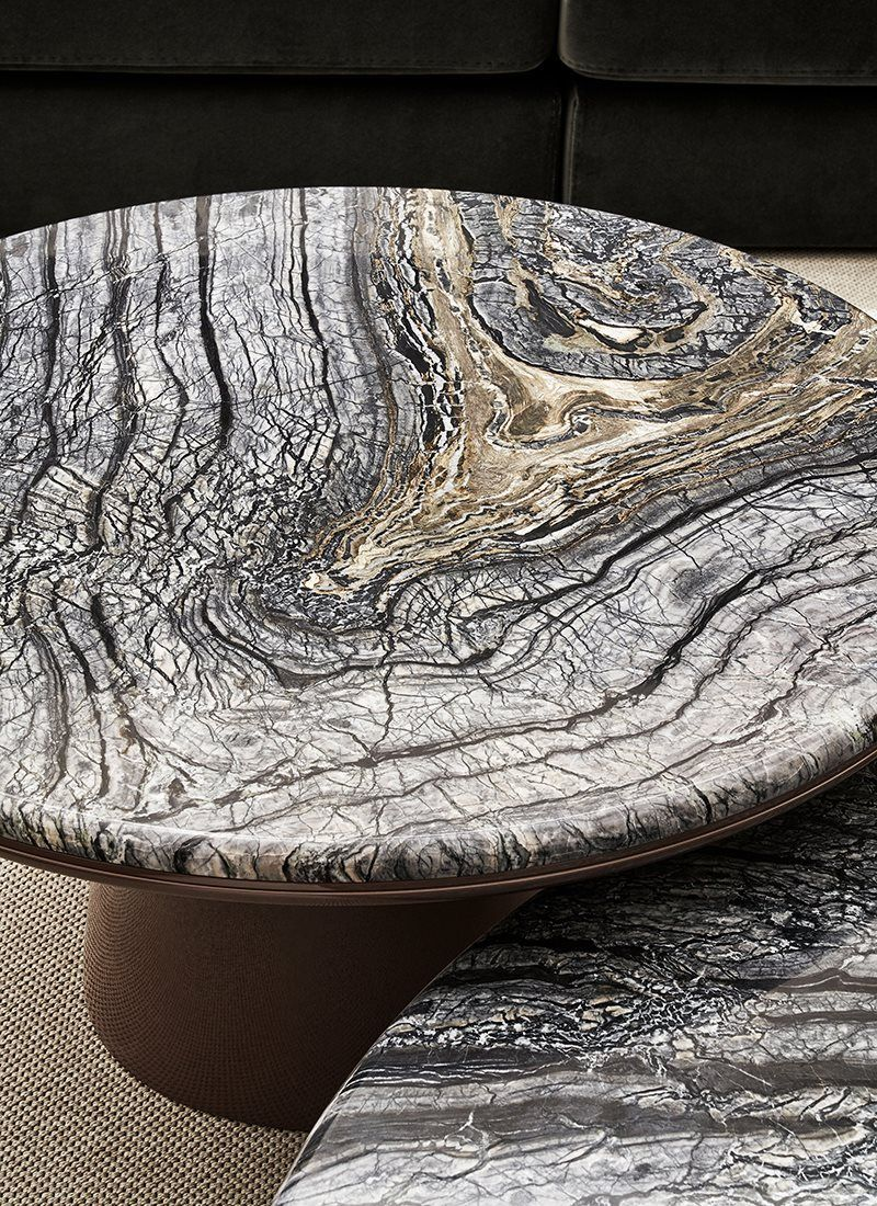 Meridiani Livinginteriors Presents New And Stunning Leon 130r Table Top In Glossy Kenya Black M Marble Round Coffee Table Marble Furniture Design Coffee Table [ 1100 x 800 Pixel ]