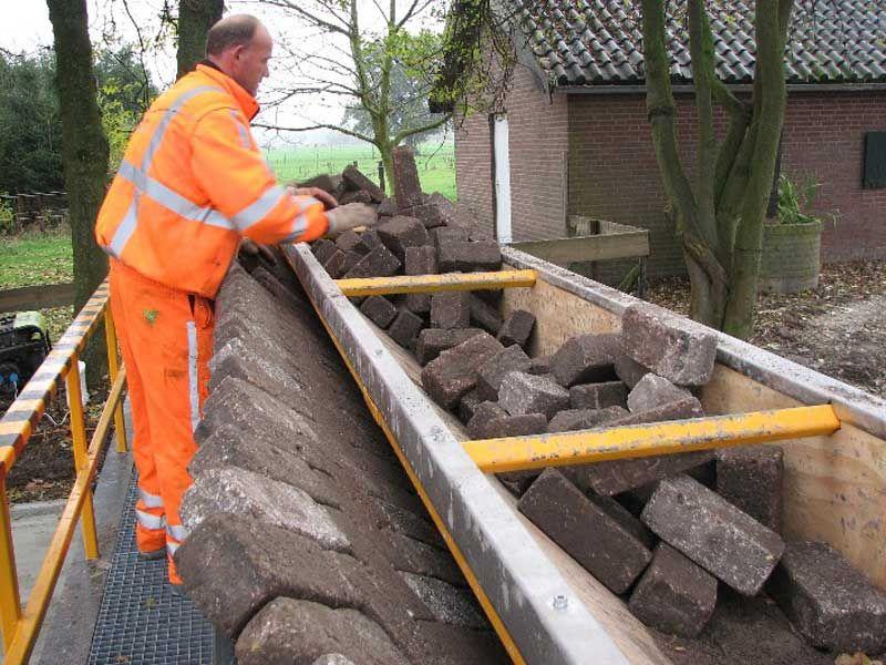 tiger stone interlocking brick road machine printer lays bricks (11)