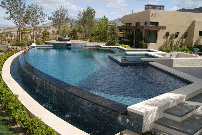1001 conceptions cr atives pour une piscine sur lev e piscine infinity pool backyard - Piscine hors sol a debordement ...