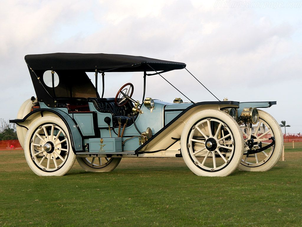 1910 American Underslung Traveler. This make was founded by Harry ...
