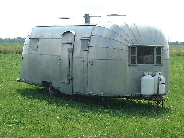 1954 Airstream trailer flying cloud
