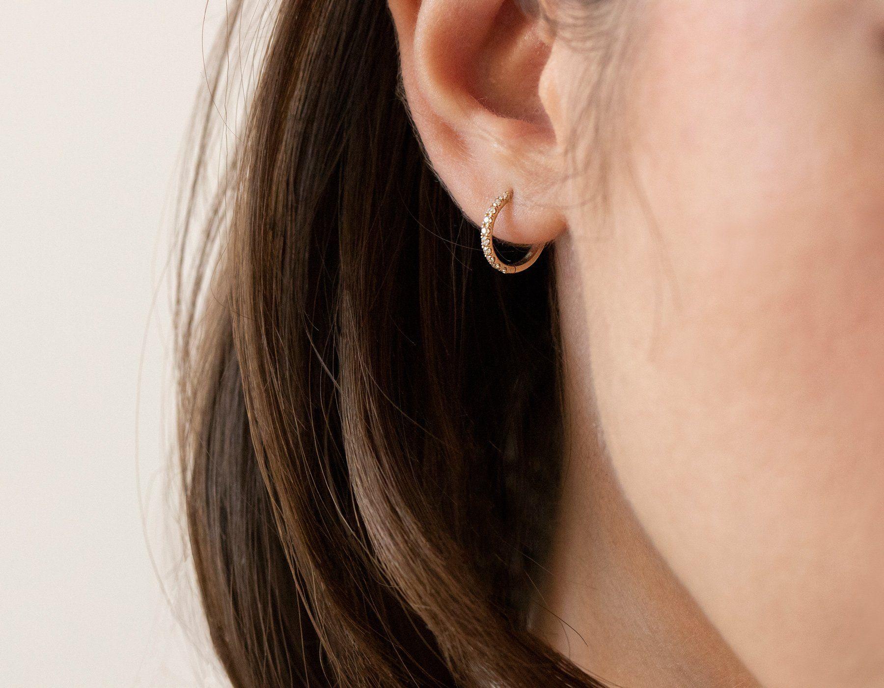 Modern gold earrings Gold loop earrings Minimalist gold filled earrings Hoop earrings Gold pendant ring earrings Gold earrings pease