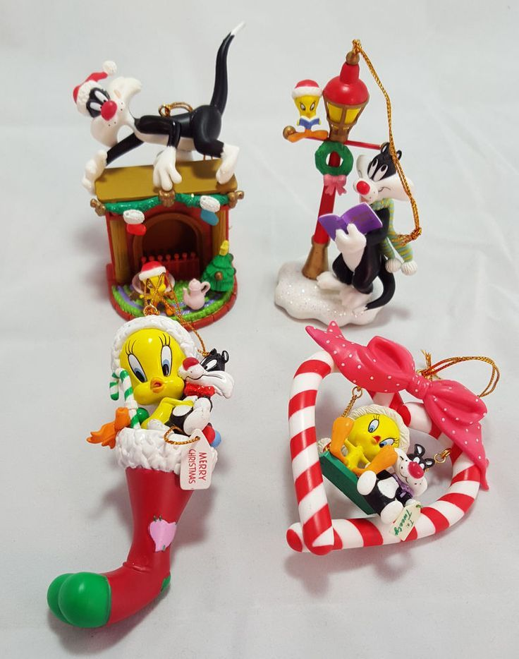 Disney Ornaments, Christmas Tree Ornaments, Christmas Decorations, Christmas  Characters, Festival Decorations, - Pin By Sammie Russell 1 On Looney Tunes Christmas Pinterest