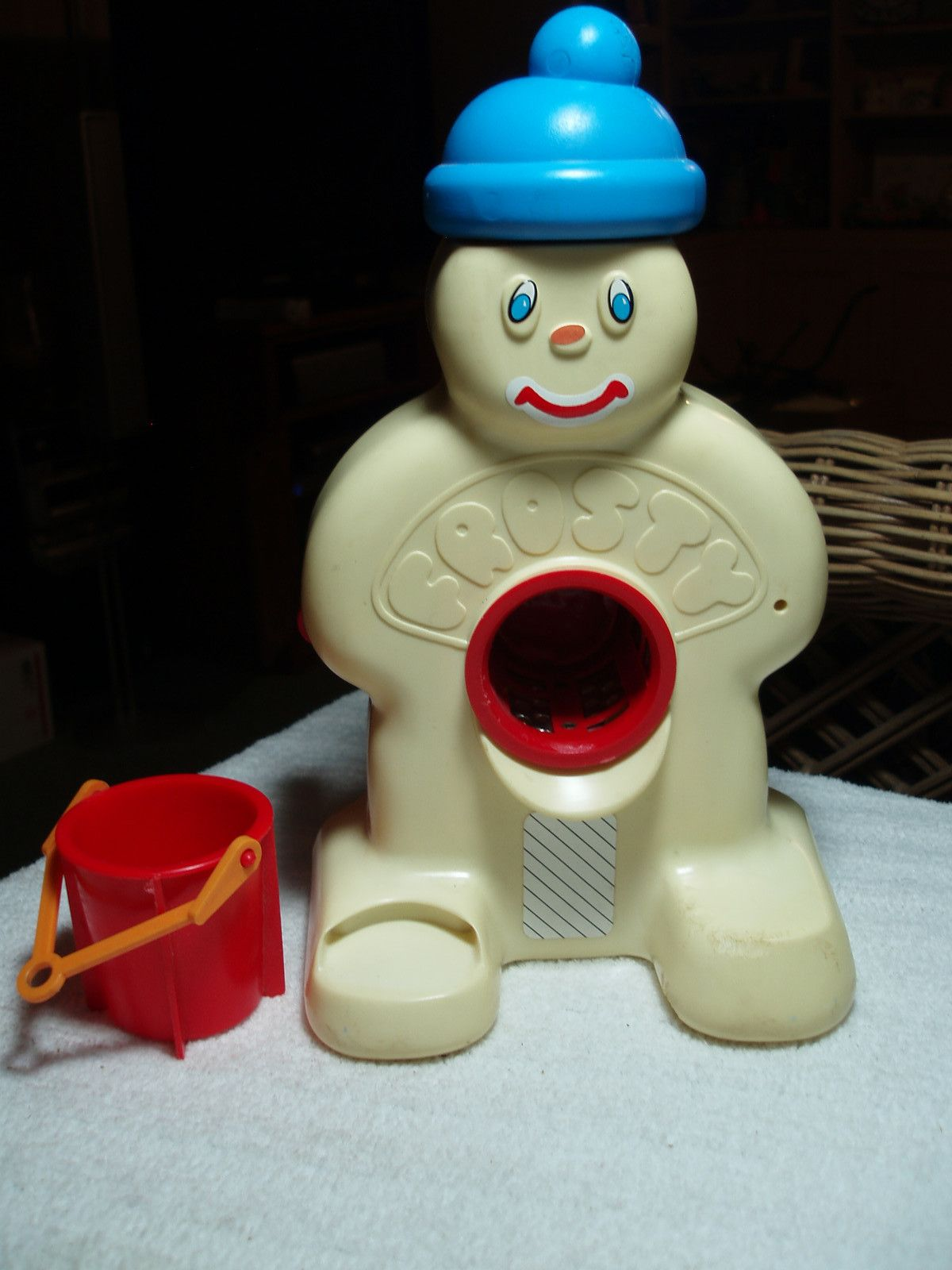 Vintage Frosty Snow Cone Maker Toy Hasbro 1976