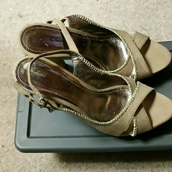 Heels Cloth material shoe, with platform wooden heel (4in). Nude green. Would fit size 9w. Box not included. Shoes Platforms