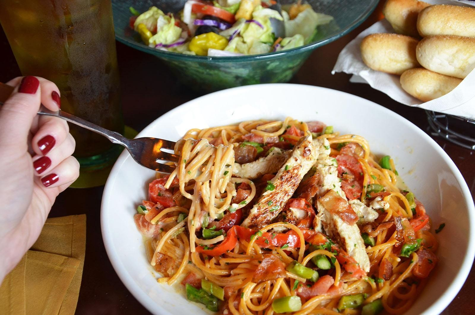 9 Ordering Hacks You Need To Try At Olive Garden Food