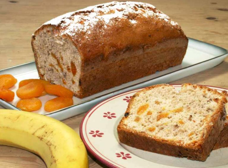 Fur Das Bananenbrot Eine Ca 25cm Lange Kastenform Mit Butter Einfetten Den Backofen Auf 175 Grad Umluft Oder 190 G Bananen Brot Bananenbrot Ruhrkuchen Rezept
