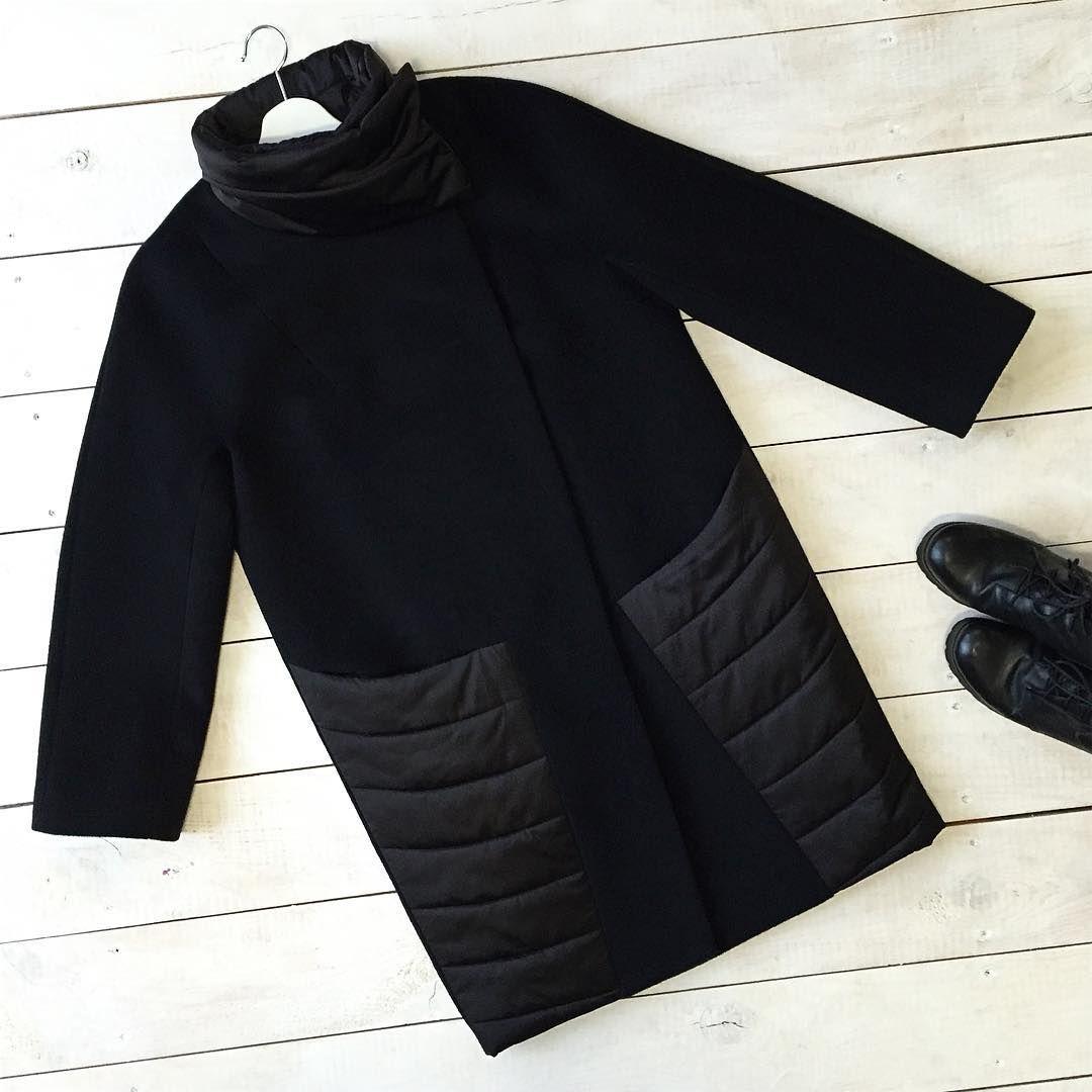 Тааак Девочки, почему остались самые часто спрашиваемые размеры? 48-50-52 Стильное и очень практичное комбинированное пальто ждет свою хозяку❤️