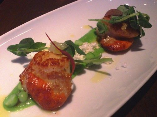 Scottish scallops with English pea puree, olive oil powder and preserved lemon, DSTRKT, London