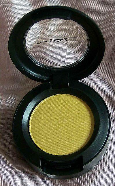 "Yellow Mac Dare to wear ""Going Bananas"" eyeshadow"