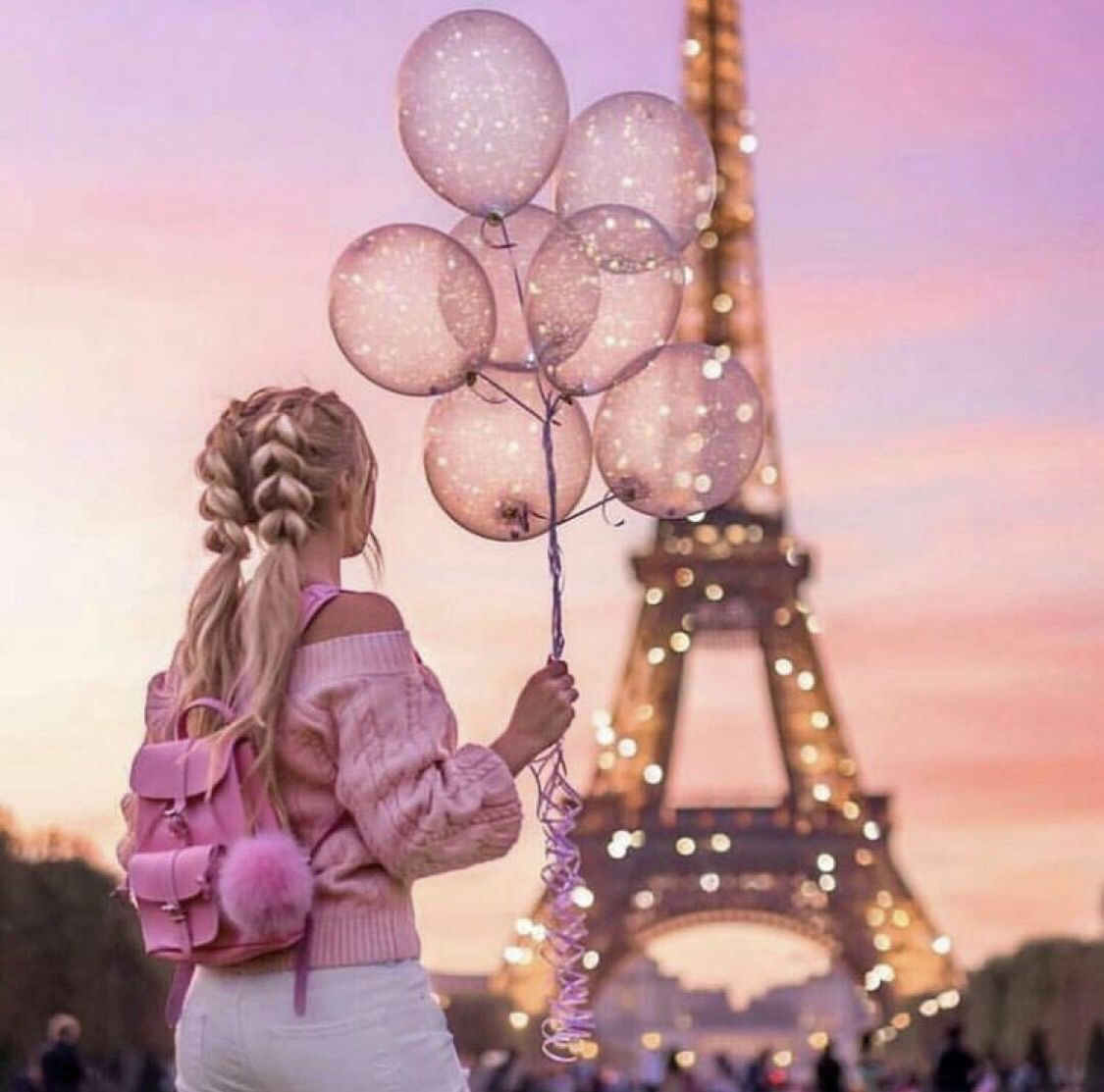 Girl In Paris Unicorn Wallpaper Cute Friend Poses Photography Girly Dp