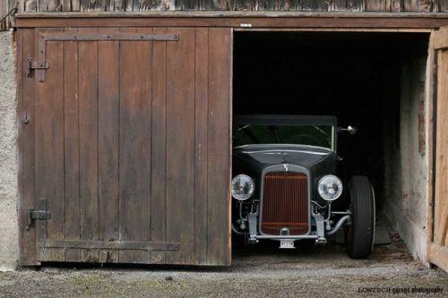 Pingl par v6 vend me sur garages d 39 automobiles et de for Porte de garage vendome avis