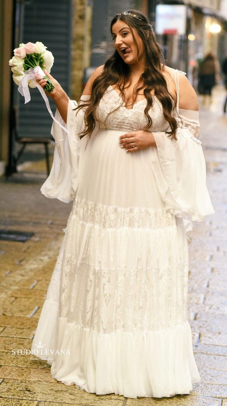 Real Plus Size Bride Wearing Curvy Bohemian Wedding Dress With Off Shoulder Sleeves Mash Wedding Dresses Plus Size Boho Wedding Dress Plus Size Wedding Gowns