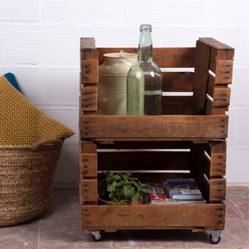 Cajas barnizadas archives favorite places spaces - Muebles con cajones de frutas ...