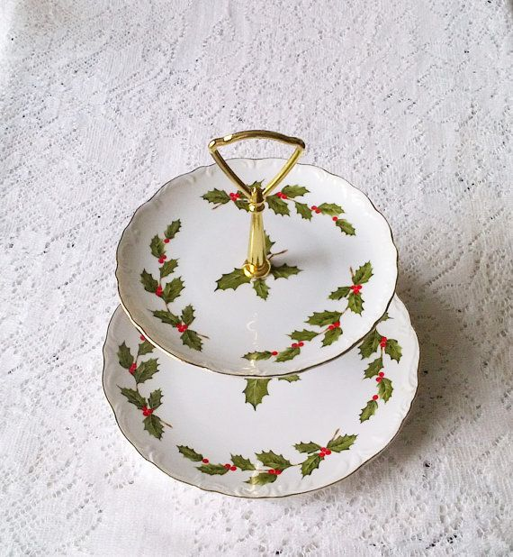 1985 Lefton White & Green Christmas Holly Print by binisboutique