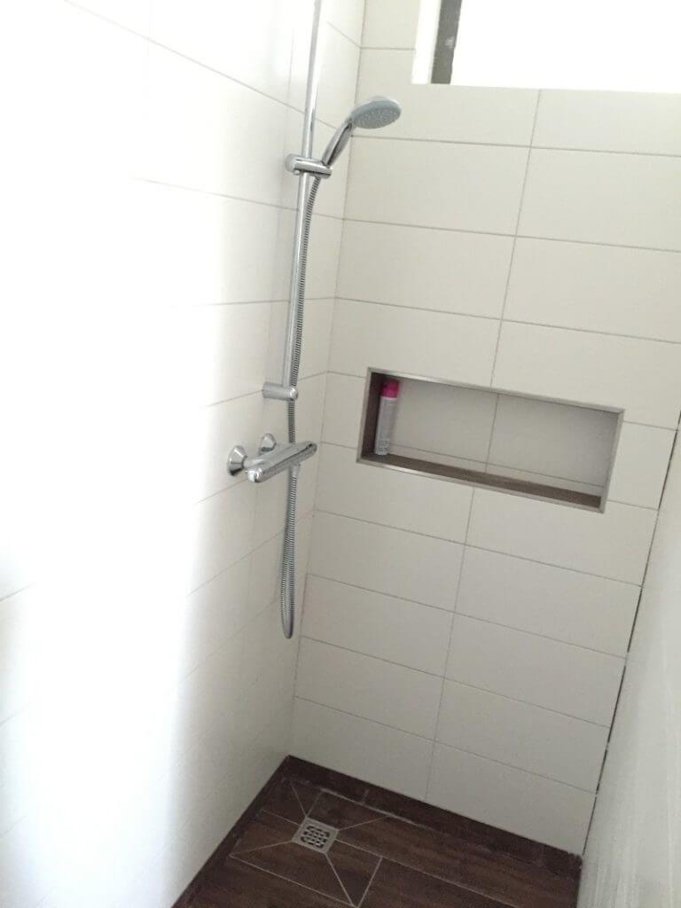 Duschablage Unser Ablagefach in der gemauerten Dusche