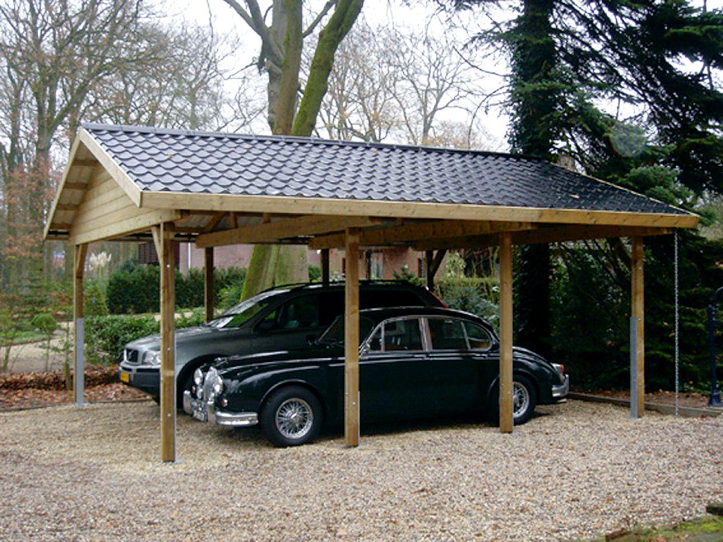 Carport met zadeldak en aluminium dakpanprofielplaten.