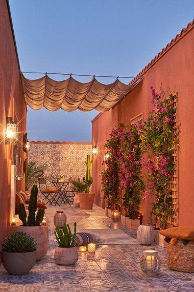 Une Terrasse Comme A Marrakech Amenagement Cour Exterieur Grand Jardin Paysager Patio Exterieur