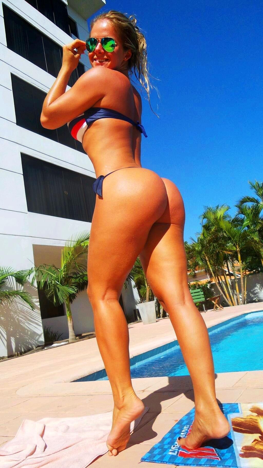 Nude Cubana