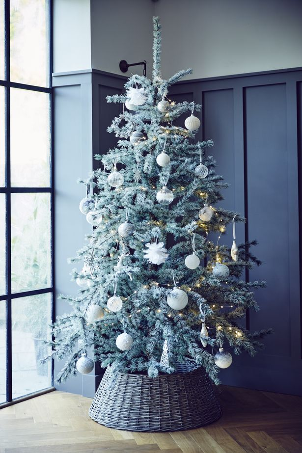 John Lewis Christmas Tree Themes.Christmas Tree Ideas To Copy Including A White Tree And