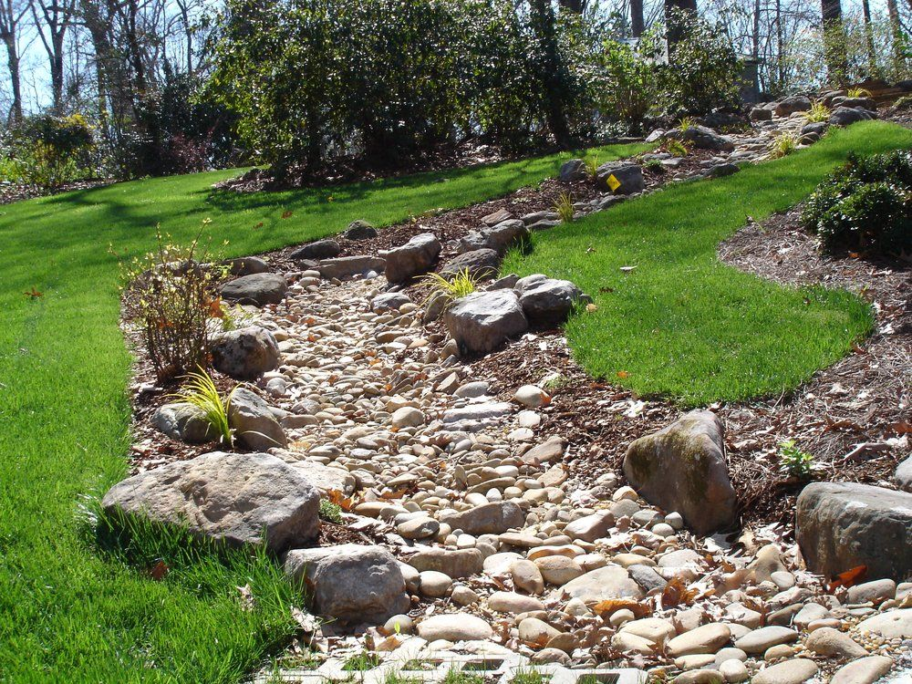 dry river bed landscaping ideas Dry Creek Bed Landscaping