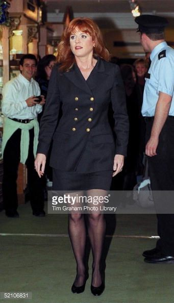 52106831-the-duchess-of-york-during-her-book-signing-gettyimages.jpg (341×594)