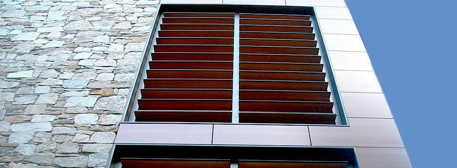 Volets coulissants / en HPL / pour fenêtres / à jalousie Tamiluz - fenetre pour maison passive