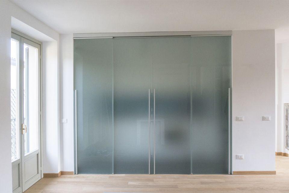 R tb architetti associati allargare gli orizzonti porta cucina vetro satinato tutta altezza - Porte a tutta altezza scorrevoli ...