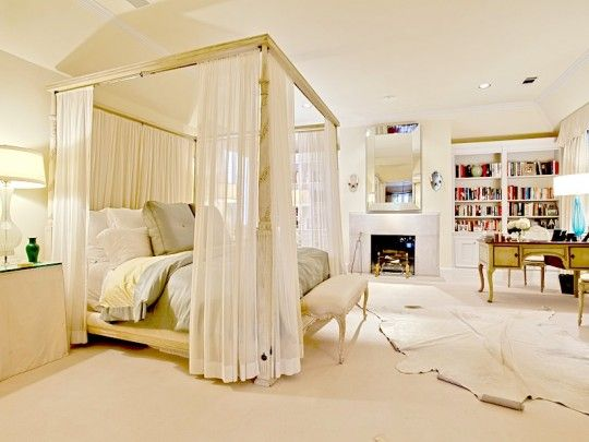 Gorgeous Canopy Bed Cozy Chic Bedroom With Fireplace 4848 Auburndale Avenue Highland Park Luxurious Bedrooms Bedroom Fireplace Dreamy Bedrooms
