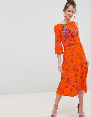 2731d2fd9af78 DESIGN rose applique midi tea dress in floral print   Garb   Rose ...