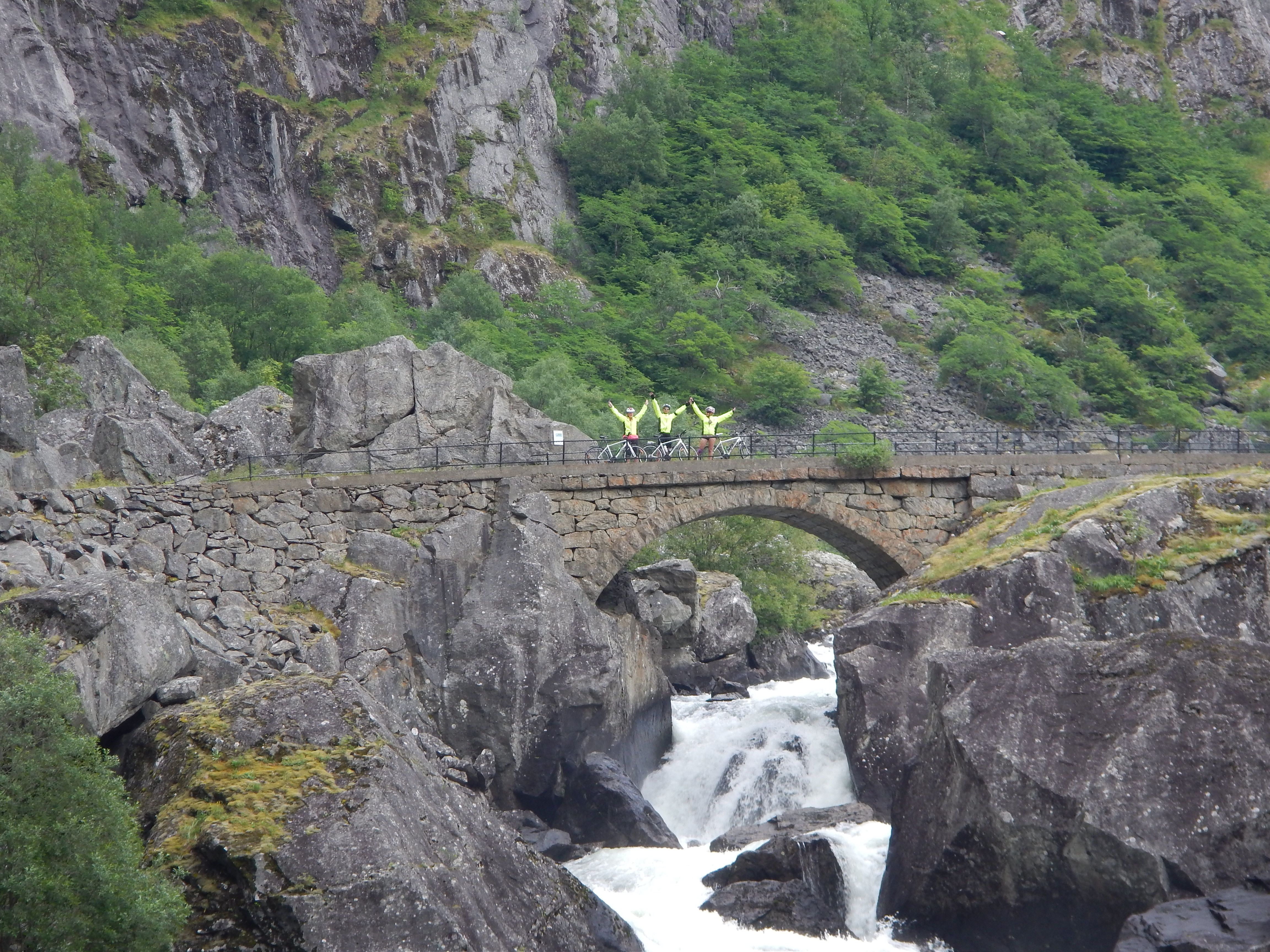 """On our way up to """"Vørings fossen"""""""