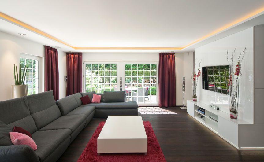 abgeh ngte decken und vorh nge wohnzimmer pinterest vorh nge decken und beleuchtung. Black Bedroom Furniture Sets. Home Design Ideas