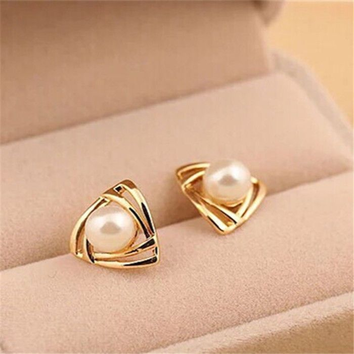 NEW Women triangle Gold Plated White Freshwater Pearl Stud ...