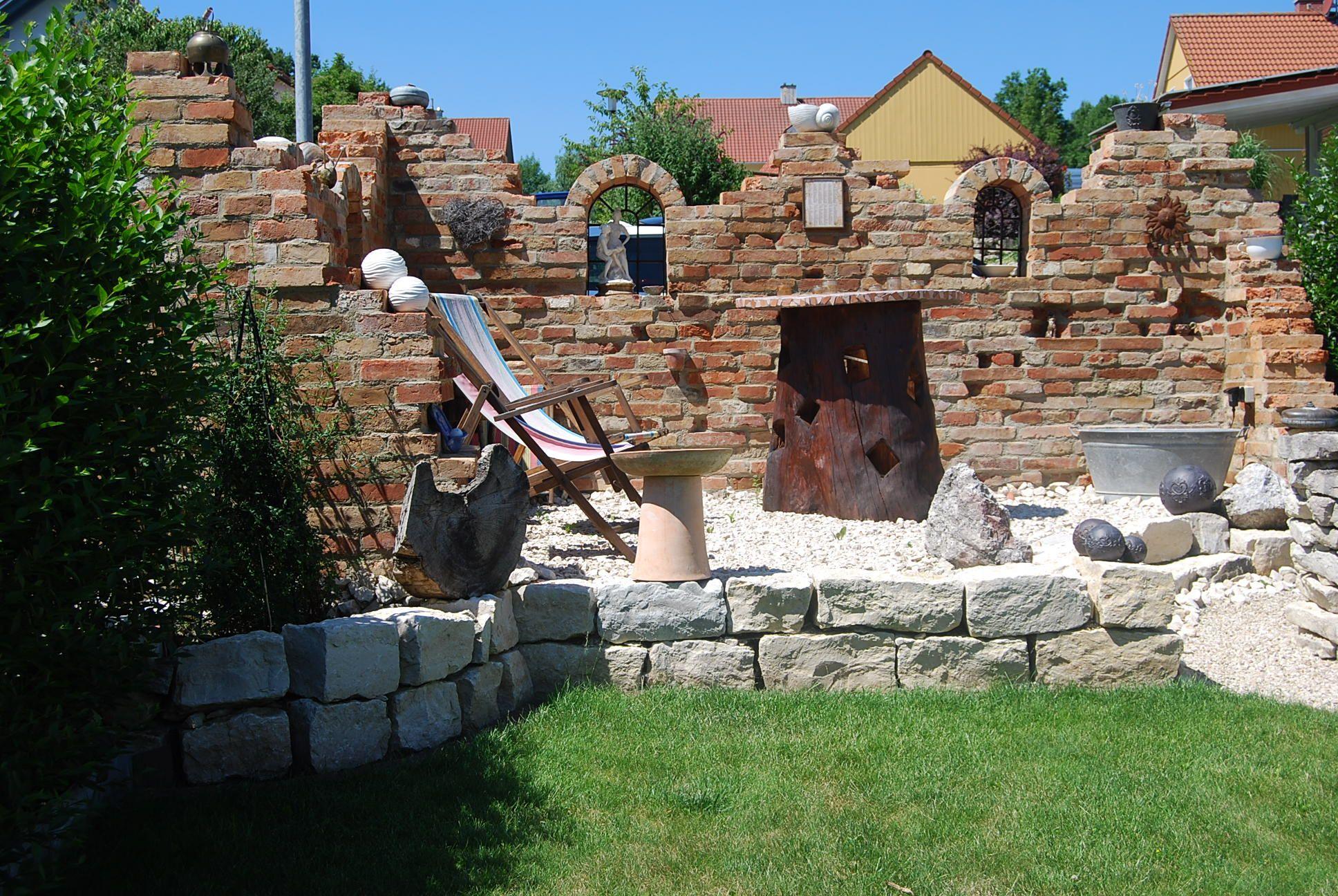 Gartenmauer als ruine diy aus klinkerstein vollziegel for Steinmauer als sichtschutz