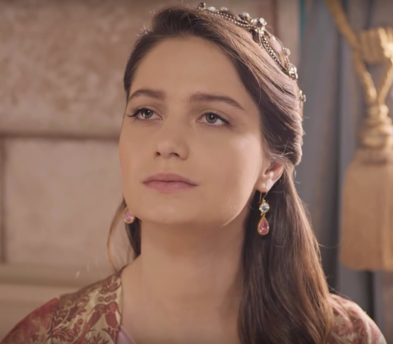 Fahriye Sultan G U00fclcan Arslan Magnificent Earrings
