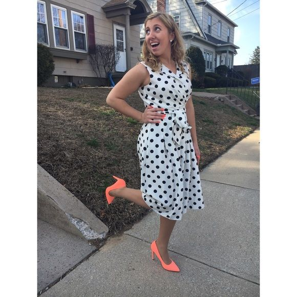 Meet your Posher, Lindsey Hi! I'm Lindsey. Some of my favorite brands are Nike, PINK Victoria's Secret, Michael Kors, and Kate Spade. Thanks for stopping by! Feel free to leave me a comment so that I can check out your closet too. :) Meet the Posher Other
