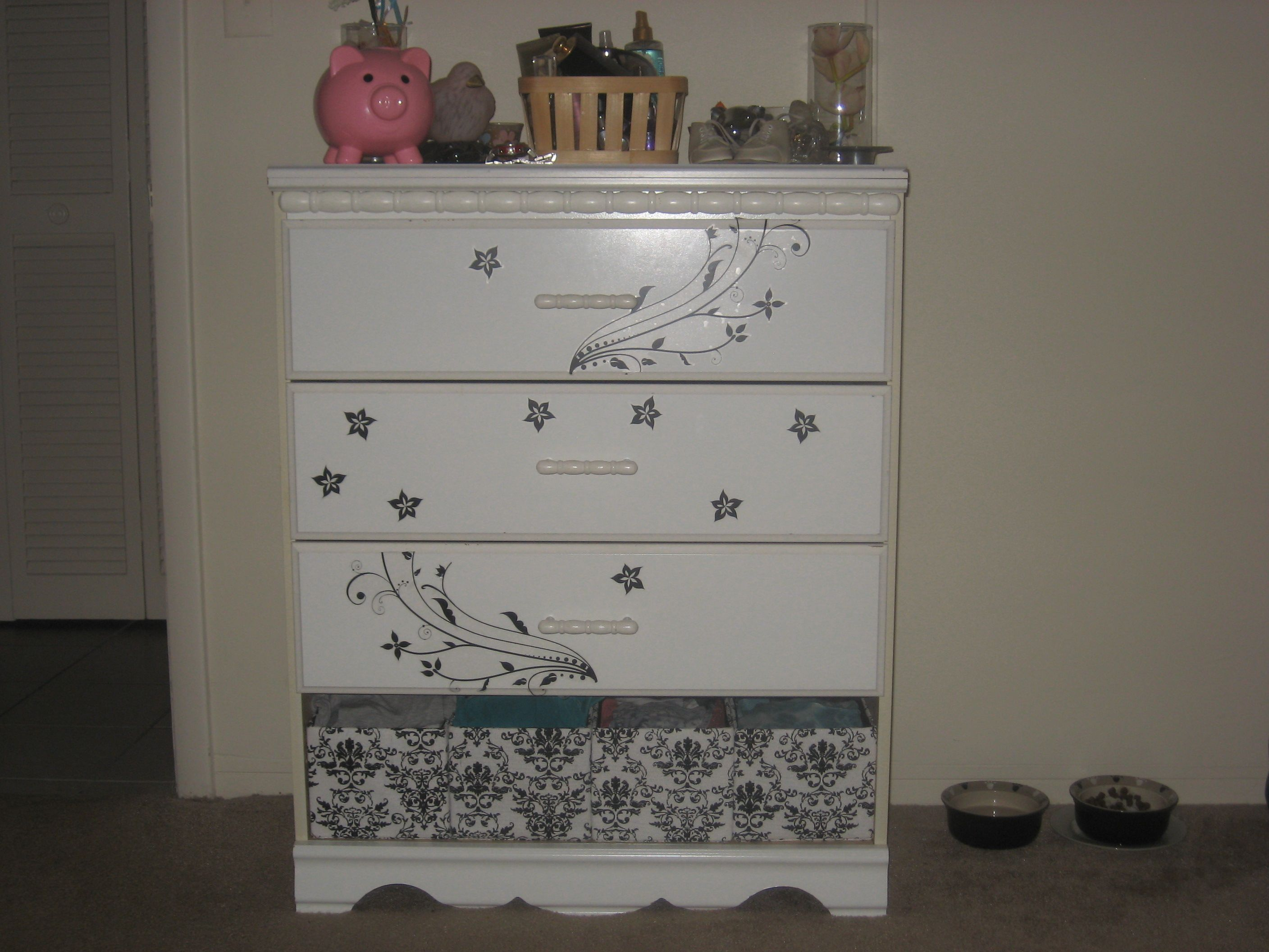 Diy Dresser Replace Broken Drawer With Baskets And Add Wall Stickers For Design