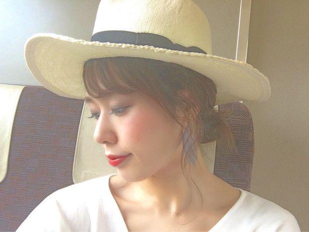 脱いでも崩れない 夏の帽子に似合う ゆるふわ アレンジ10選 帽子