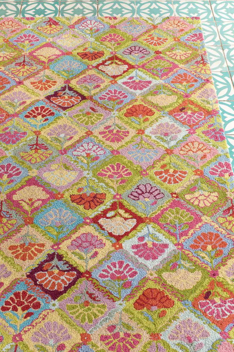 Bright floral area rug aqua tile floorg 8001200 rugs pinterest bright floral area rug aqua tile floorg dailygadgetfo Image collections
