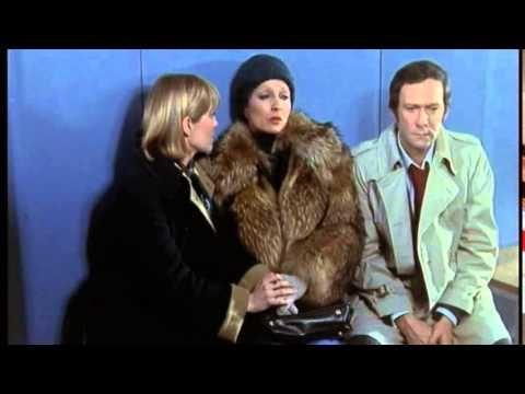137 Femme en fourrure dans un film français - YouTube